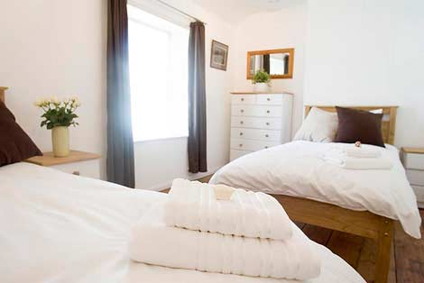 The Twin bedroom - Sorgente Holiday Cottage
